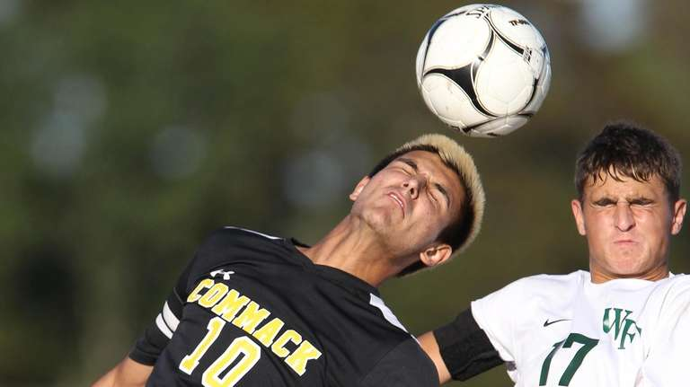 Commack's Nick Mastroianni and Floyd's Evan Meinke play