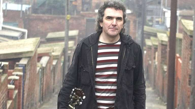 English singer-songwriter Jez Lowe will perform at the