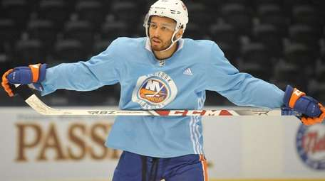 Isles' Josh Ho-Sang is a healthy scratch for