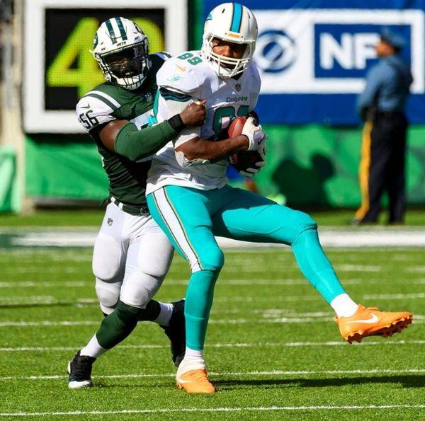 Jets inside linebacker Demario Davis (56) says
