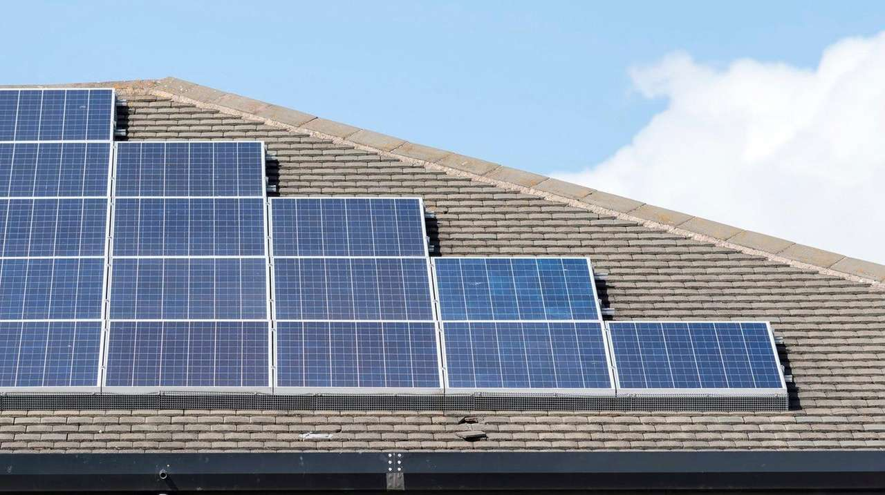 Solar firm's closure confusing for customers