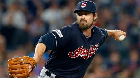 Andrew Miller of theIndians pitches against the Yankees