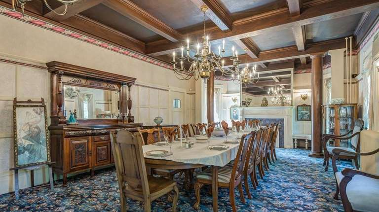 The owner of this Manhasset home brought craftsmanship
