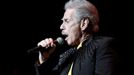 Skyliners lead singer Jimmy Beaumont performs at Pittsburgh