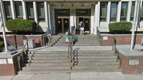 In Hempstead, a proposal would bar board members