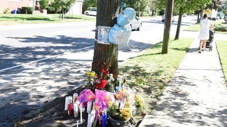 A makeshift memorial at scene of deadly crash