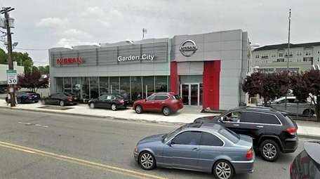 Nissan of Garden City, located in Hempstead, is
