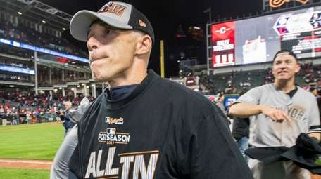 Yankees manager Joe Girardi looks on after defeating