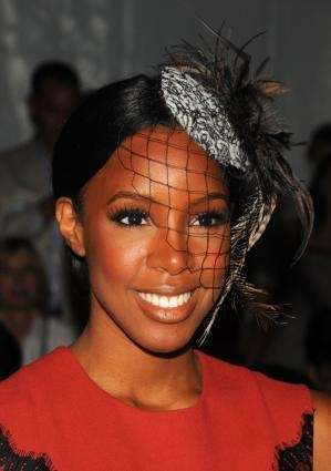 Singer Kelly Rowland attends the Tracy Reese Spring