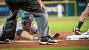 New York Yankees' Brett Gardner driving for third