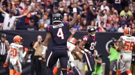 Houston Texans quarterback Deshaun Watson celebrates a touchdown