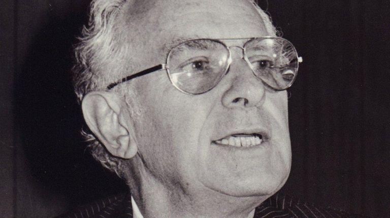 Former Great Neck Estates Mayor Murray Seeman died