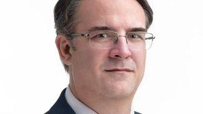 Robert Nosek of Glen Cove has joined Certilman