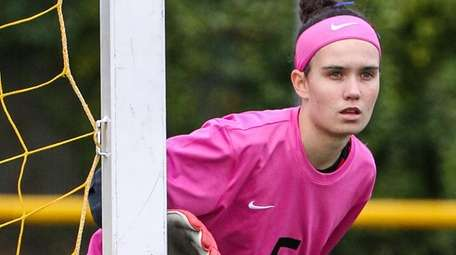 South Side goalkeeper Julia Cavanagh looks over at