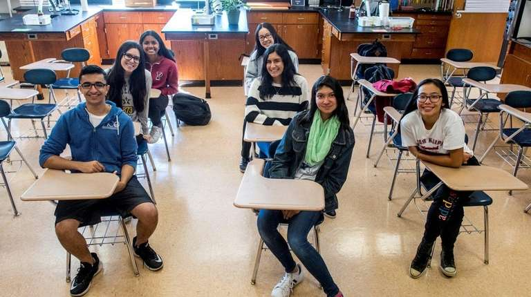Half Hollow Hills students who are semifinalists in