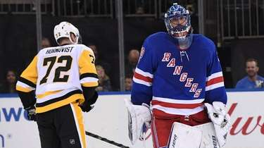 New York Rangers goalie Henrik Lundqvist reacts after