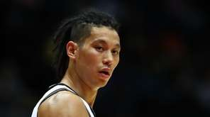 Jeremy Lin #7 of the Brooklyn Nets looks
