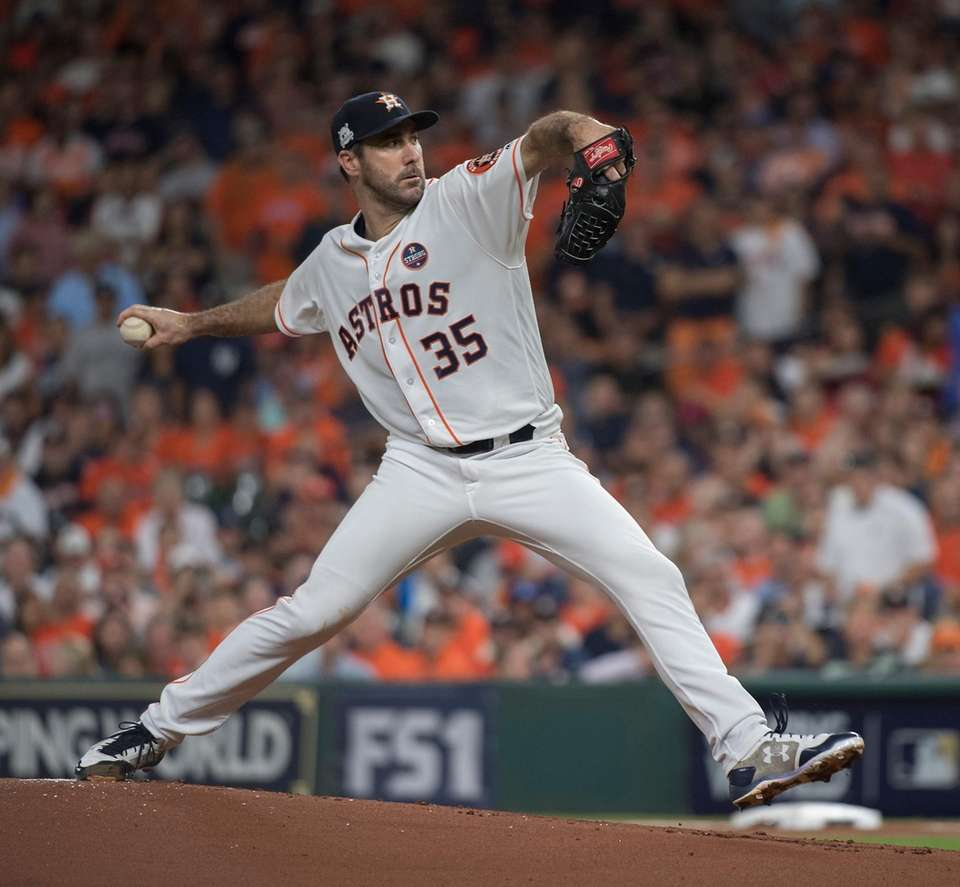 Houston Astros starting pitcher Justin Verlander delivers in