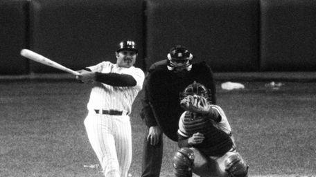 Yankees first baseman Chris Chambliss hits a walk-off