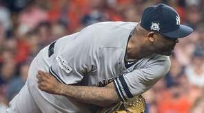 New York Yankees'starting pitcher CC Sabathia delivers a