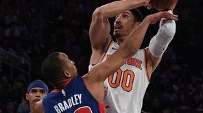 Knicks center Enes Kanter draws a foul against