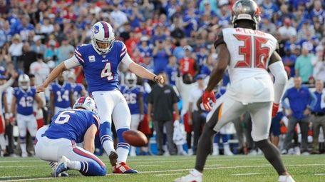 Buffalo Bills kicker Stephen Hauschka boots the winning