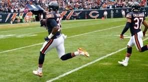 Chicago Bears free safety Eddie Jackson returns a