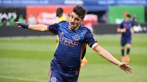 David Villa of NYCFC celebrates after scoring his