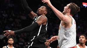 Brooklyn Nets forward Rondae Hollis-Jefferson sinks a layup