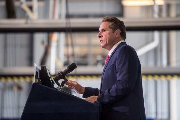 Cuomo signs bill banning use of e-cigarettes indoors
