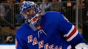 Henrik Lundqvist reacts after surrendering a goal late