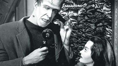 Fred Gwynne and Yvonne DeCarlo on
