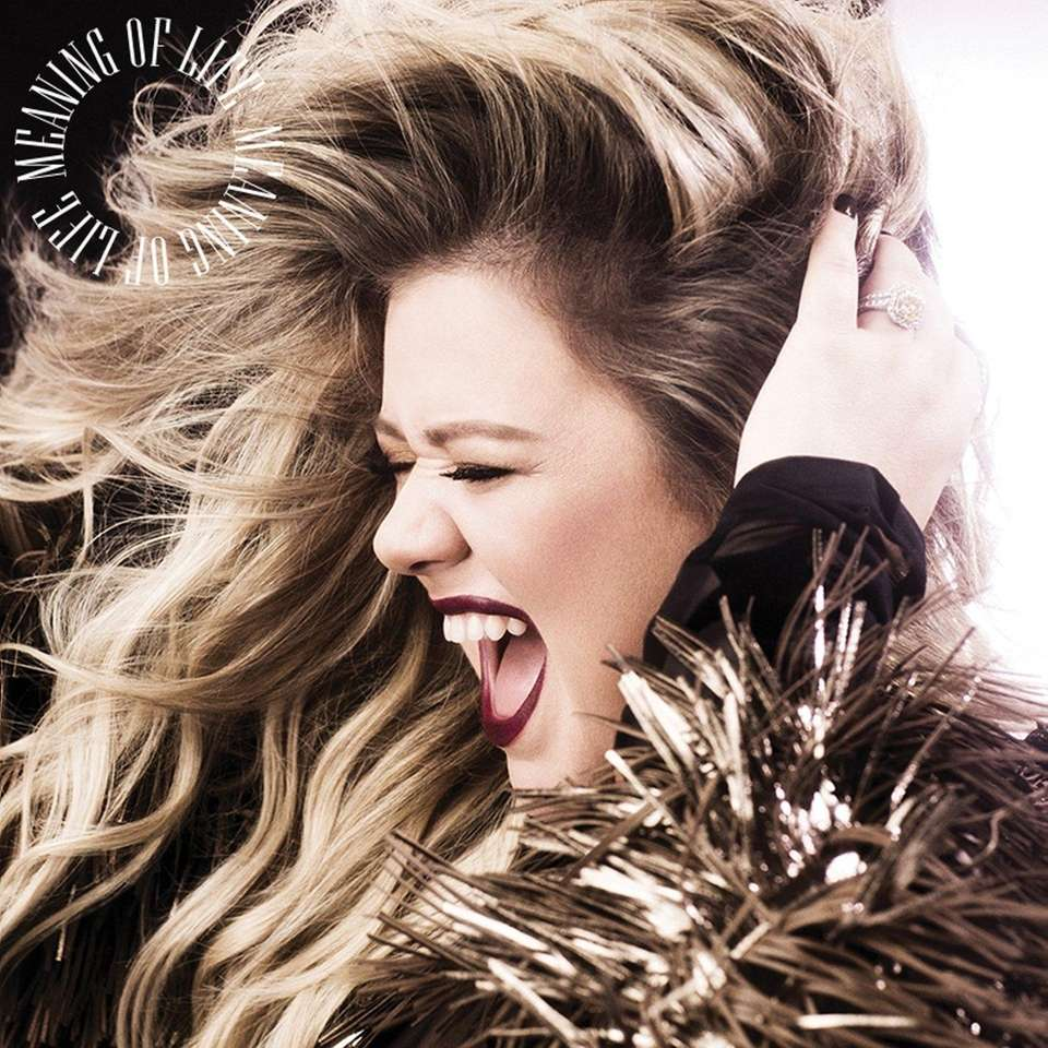 Kelly Clarkson proves she can sing anything on