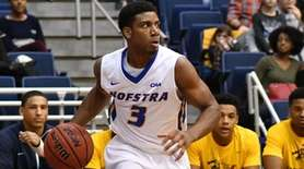 Justin Wright-Foreman #3 of Hofstra University looks for