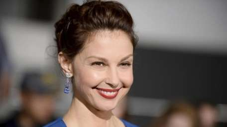 Ashley Judd arrives at the world premiere of