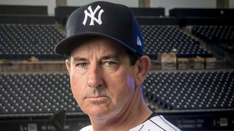 Yankees bench coach Rob Thomson at spring training at