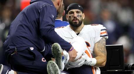 Zach Miller #86 of the Chicago Bears is