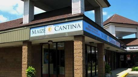 The exterior of Maize Cantina in Commack (July
