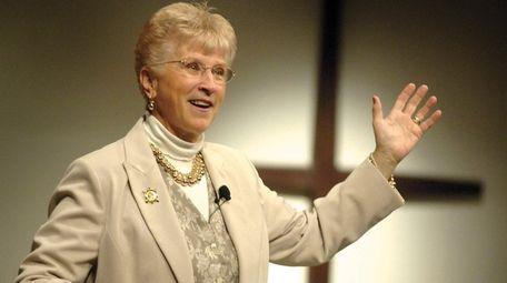 Montana Gov. Judy Martz addresses a crowd at