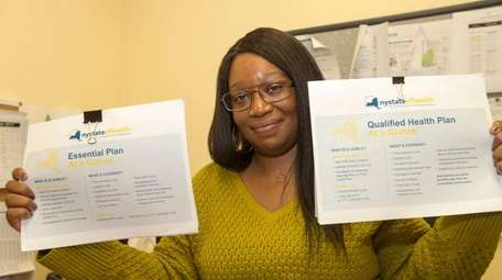 Nassau-Suffolk Hospital Council lead navigator Nefertiti Townes prepares