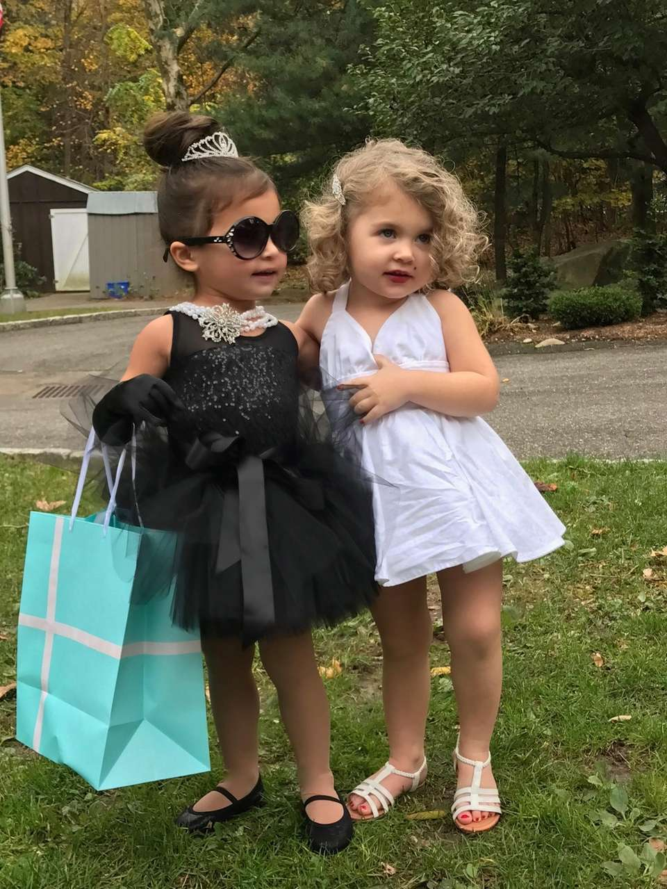 Best Friends Ava Ahlstrand & Mckenna Cash dressed