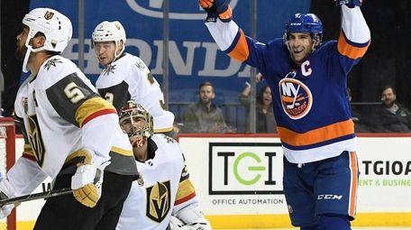 Islanders center John Tavares celebrates a power-play goal