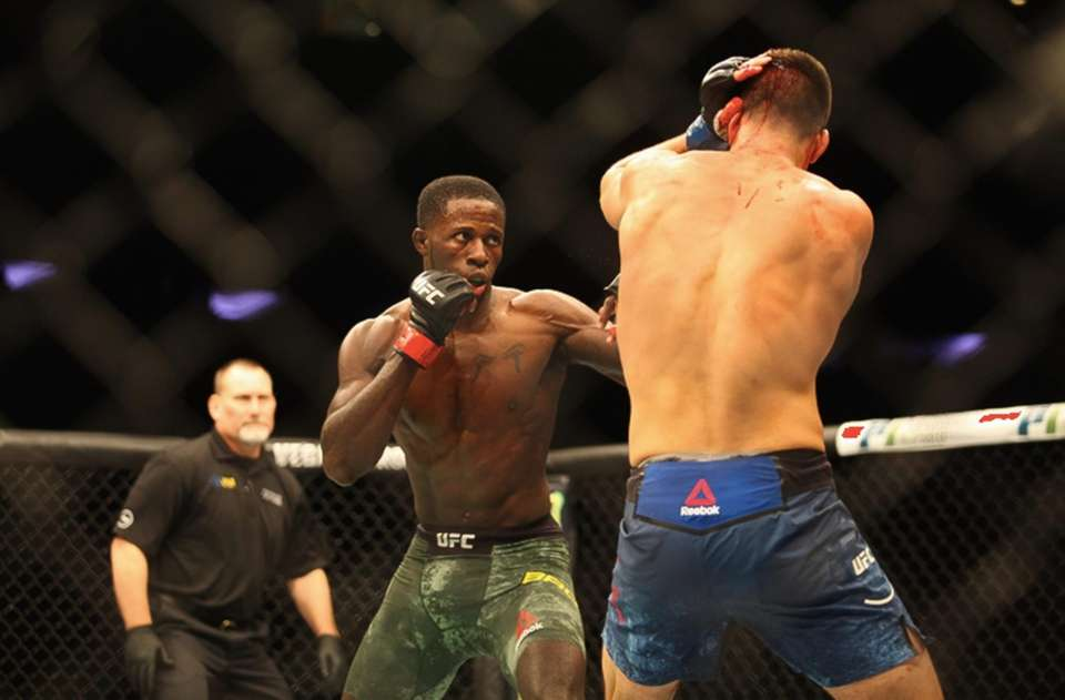 Randy Brown (left) defeats Mickey Gall by unanimous