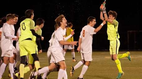 Chaminade's celebrates victory over St. Anthony's during game