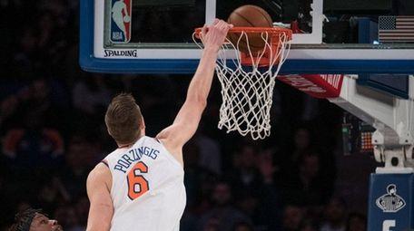 Knicks forward Kristaps Porzingis in the fourth quarter