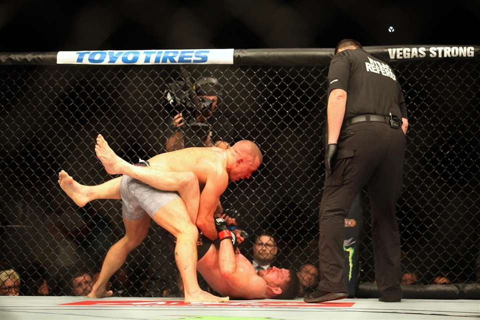 Georges St-Pierre fights Michael Bisping in the middleweight