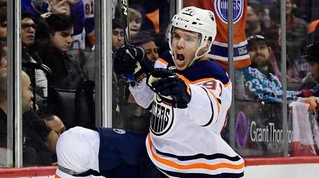 The Oilers' Connor McDavidreacts after scoringthe game-winnerin overtime