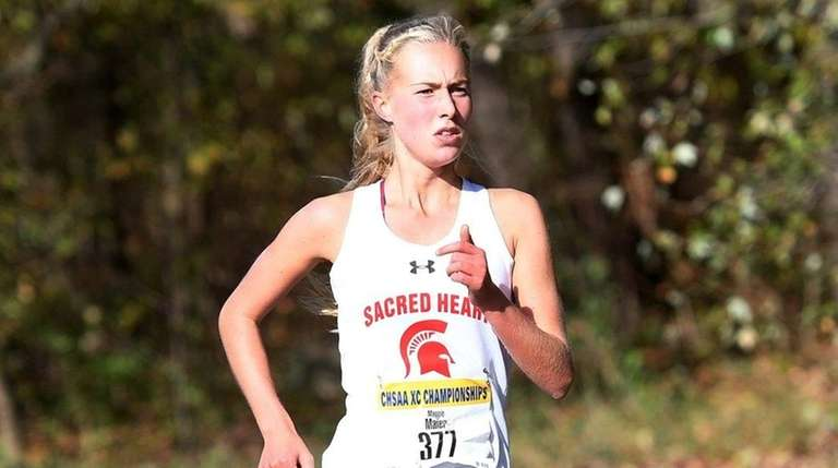 Sacred Heart's Maggie Maier won the girlsraceat the