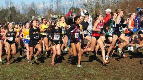 Runners in the NYSPHSAA girls Class A race