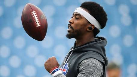 Bills quarterback Tyrod Taylor before a game against